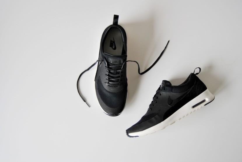 Nike Thea QS